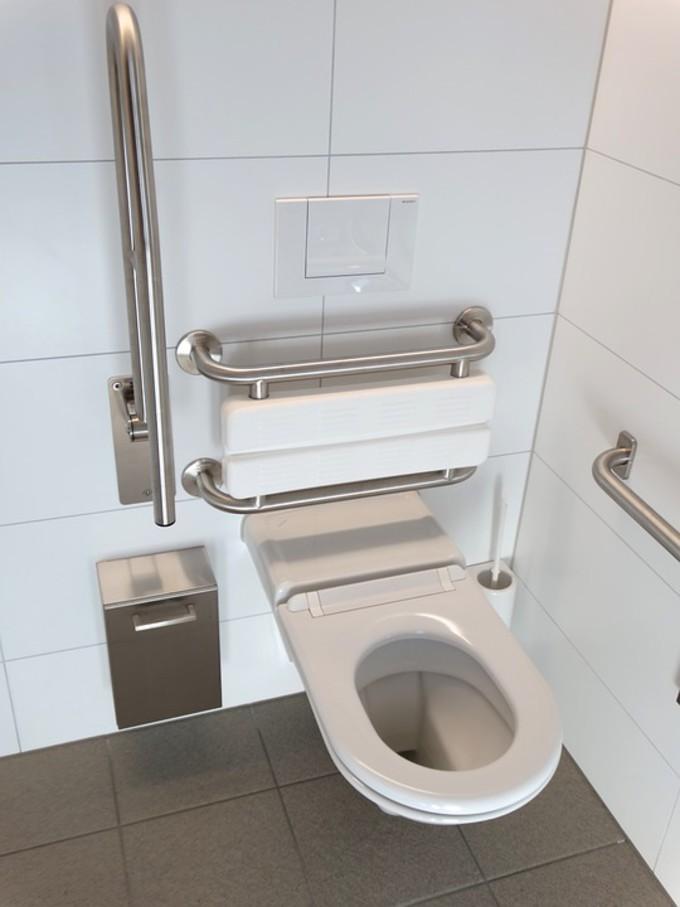 Installation d'un WC pour les handicapés